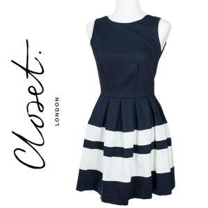 Closet London Sleeveless Navy White Dress